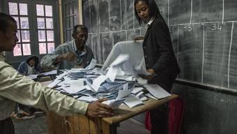 Das oberste Gericht Madagaskars hat die geplanten Wahlen im Land auf die nächste Trockenzeit 2019 verschoben.