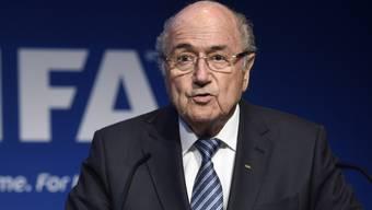 Sepp Blatter gibt seinen Rücktritt als Fifa-Präsident bekannt.