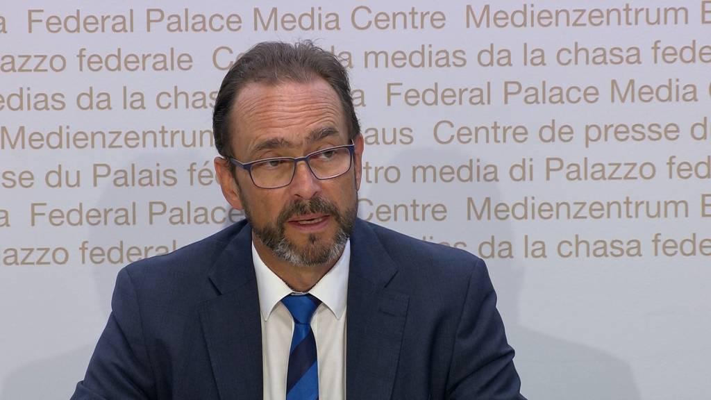 Steigende Corona-Zahlen: Bund fordert härtere Massnahmen von Kantonen