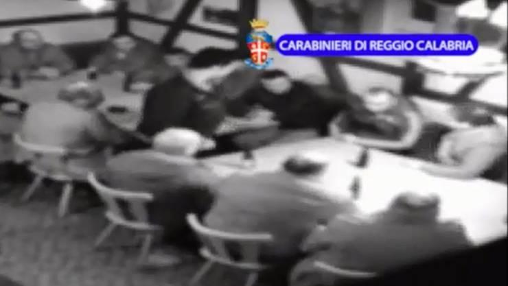 Screenshot eines Überwachungsvideos der Frauenfelder Zelle der kalabresischen 'Ndrangheta, der von der italienischen Polizei 2014 veröffentlicht wurde. (Archivbild)