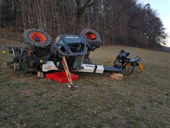 Der Unfall ereignete sich bei Holzarbeiten auf der abfallenden Wiese