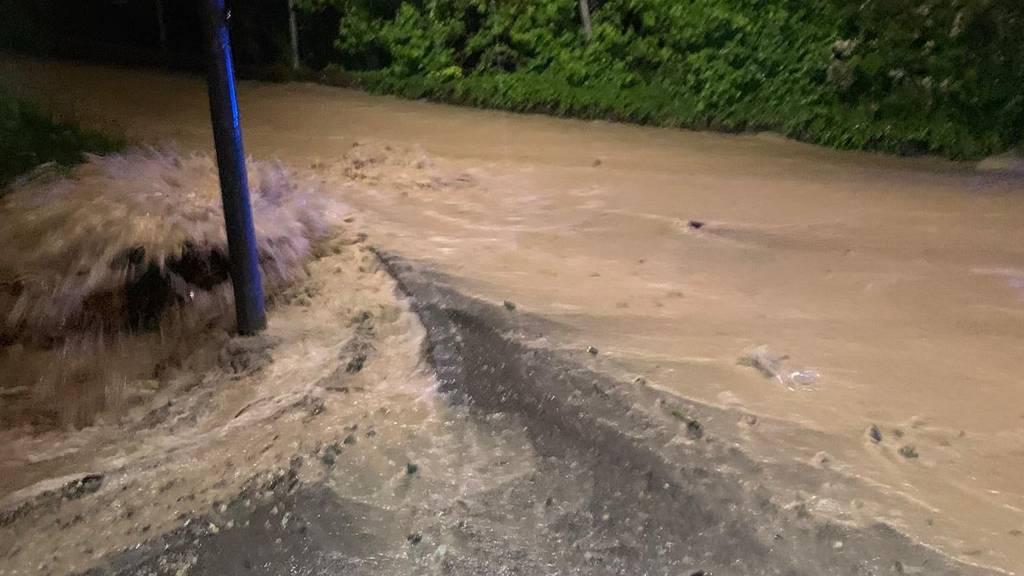 Zwei Dutzend Keller im Zurzibiet überflutet