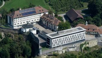 Der Angeklagte war früher als Seelsorger im Gefängnis Thorberg tätig, wo er den mutmasslichen Räuber betreute. (Archiv)