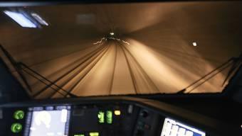 Im Süden des Lötschberg-Basistunnels stehen normalerweise zwei Gleise zur Verfügung - nicht aber am Donnerstagmorgen. (Archivbild)