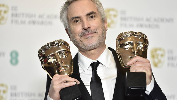 """""""Unglaubliche Ehre"""": der mexikanische Filmregisseur Alfonso Cuarón bei der Verleihung der britischen Filmpreise."""