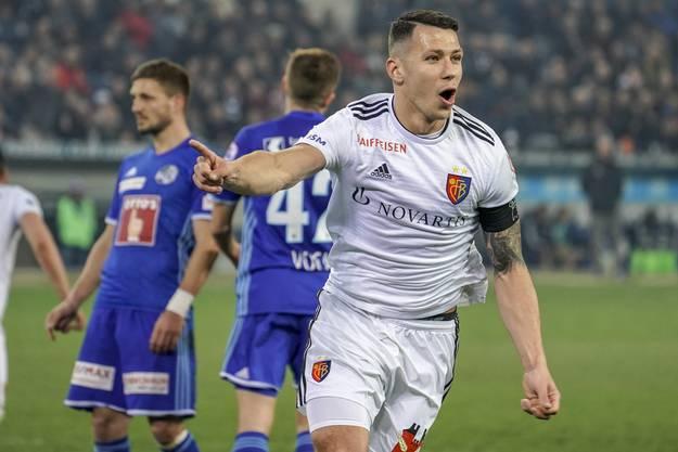 Erst kurz vor dem Ende der Partie trifft Marek Suchy zum 1:0 für den FCB.