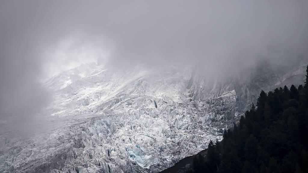 Die zuständige Nationalratskommission will das Netto-null-Ziel bis 2050 gesetzlich verankern und so einen Teil der Gletscher-Initiative rasch umsetzen. (Themenbild)
