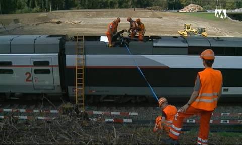 SBB-Angestellte am Unfallort des TGV.