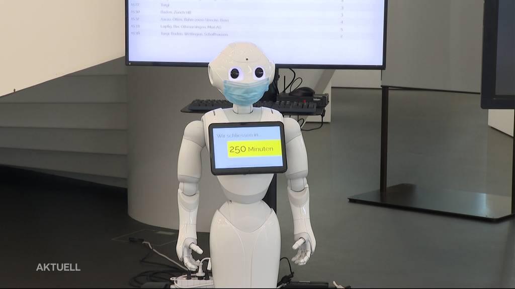 Bibliotheksroboter hilft bei Bücherwahl