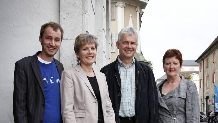 Christoph Schauwecker, Brigit Wyss und Felix Wettstein (von links) teilen sich künftig das Präsidium, rechts die scheidende Präsidentin Iris Schelbert.