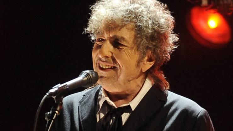 Der legendäre US-Sänger Bob Dylan hat überraschend einen neuen Song herausgegeben. (Archivbild)