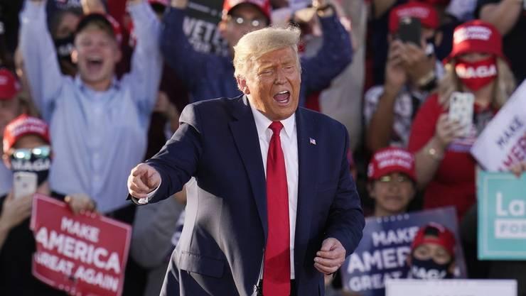 US-Präsident Donald Trump greift Wissenschafter, CNN und staatliche Behörden frontal an.