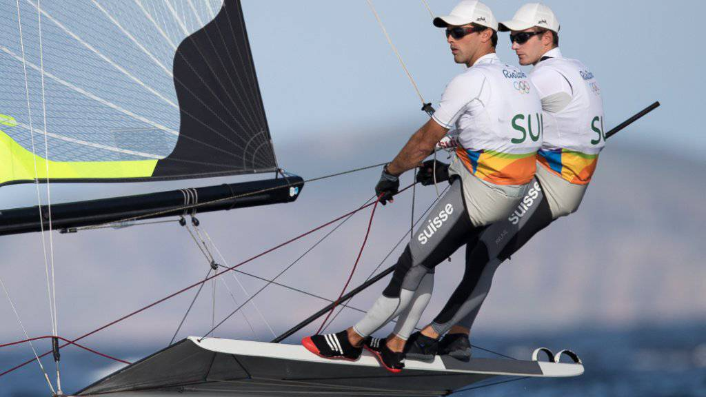 Sebastien Schneiter und Lucien Cujean haben vor den letzten drei Qualifiaktionsläufen 13 Punkte Rückstand auf die Teilnahme am Medal Race