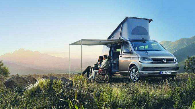 Der VW-Bus ist erstmals unter den Top 10 der neu zugelassenen Personenwagen. Obwohl bei Fussgängerunfällen gefährlicher, hat er ein besseres Image als SUVs wie der Porsche Macan.