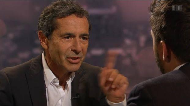 Schawinski: «Sie sind ja mittlerweile auf dem besten Weg zur Gucci- und Prada-Gesellschaft die sie jahrelang kritisiert haben»