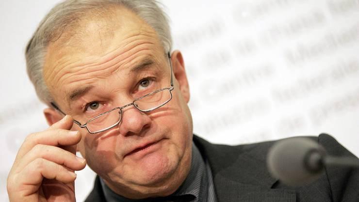 Finanzdirektor Christian Wanner präsentiert eine Überraschung