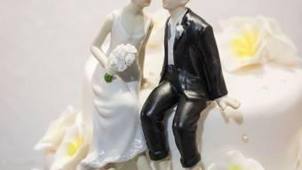 Die Ehe bleibt beliebt: Vier Fünftel aller nicht gleichgeschlechtlichen Paare, die im selben Haushalt leben, haben einen Trauschein. (Symbolbild)