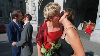 Schweizer Homosexuelle kämpfen für ihre Gleichberechtigung, denn auf vielen Ebenen harzt es noch immer – nicht nur bei der Adoption.