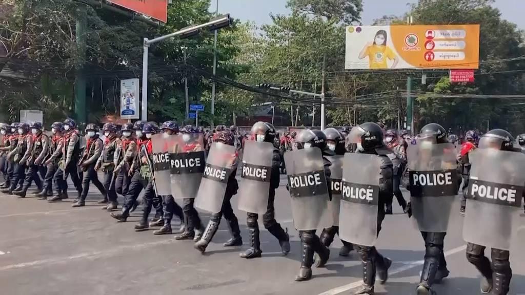 Massendemos ins Myanmar: Grösste Protestkationen seit dem Militärputsch