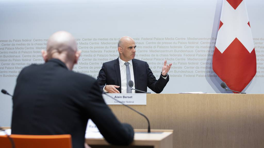Bundesrat Alain Berset und Daniel Koch vom BAG zu Besuch in Luzern