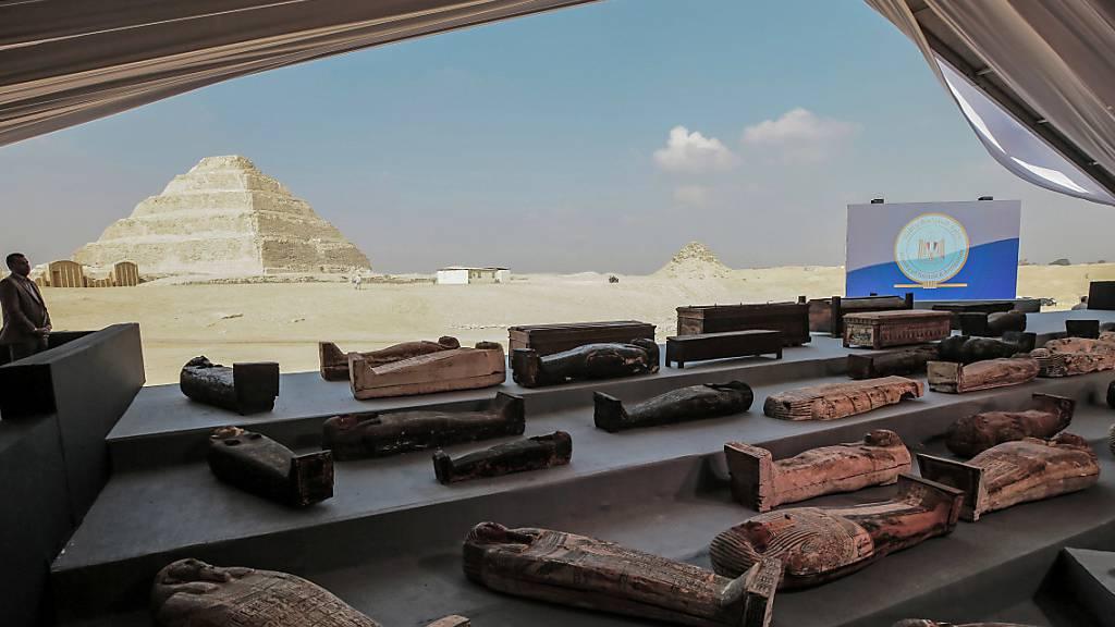 Archäologen finden nahe Kairo erneut Dutzende altägyptische Särge