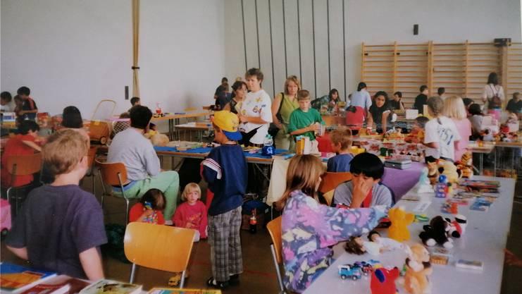 Die erste Spielwarenbörse 1999 fand in der Turnhalle statt.