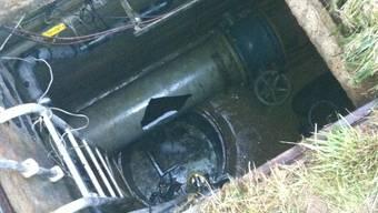 Ein 1,5 Meter langes Stück Rohr musste ersetzt werden. Handyfoto/ZVG