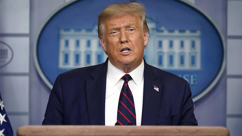 Donald Trump, Präsident der USA, spricht auf einer Pressekonferenz im Weissen Haus. Foto: Evan Vucci/AP/dpa
