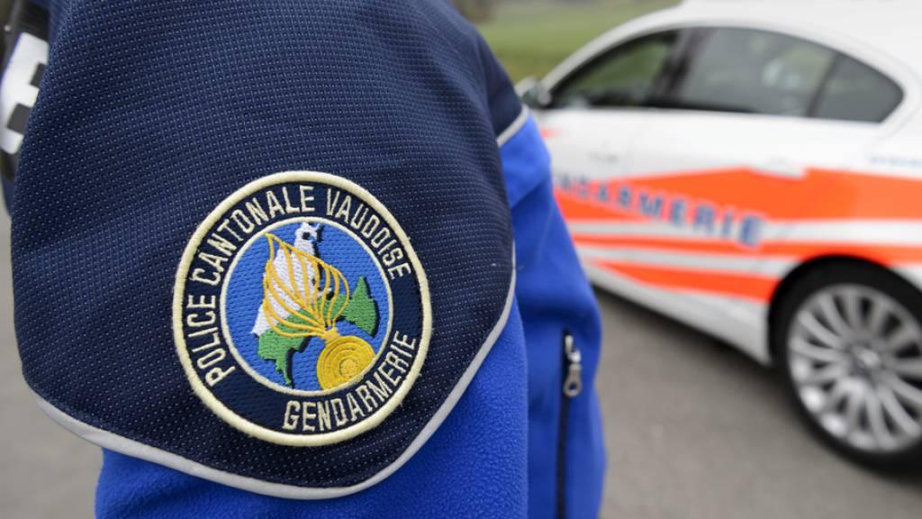 Nach einer Serie von falschen Bombendrohungen an Schulen hat die Waadtländer Polizei vier Verdächtige festgenommen. (Symbolbild)