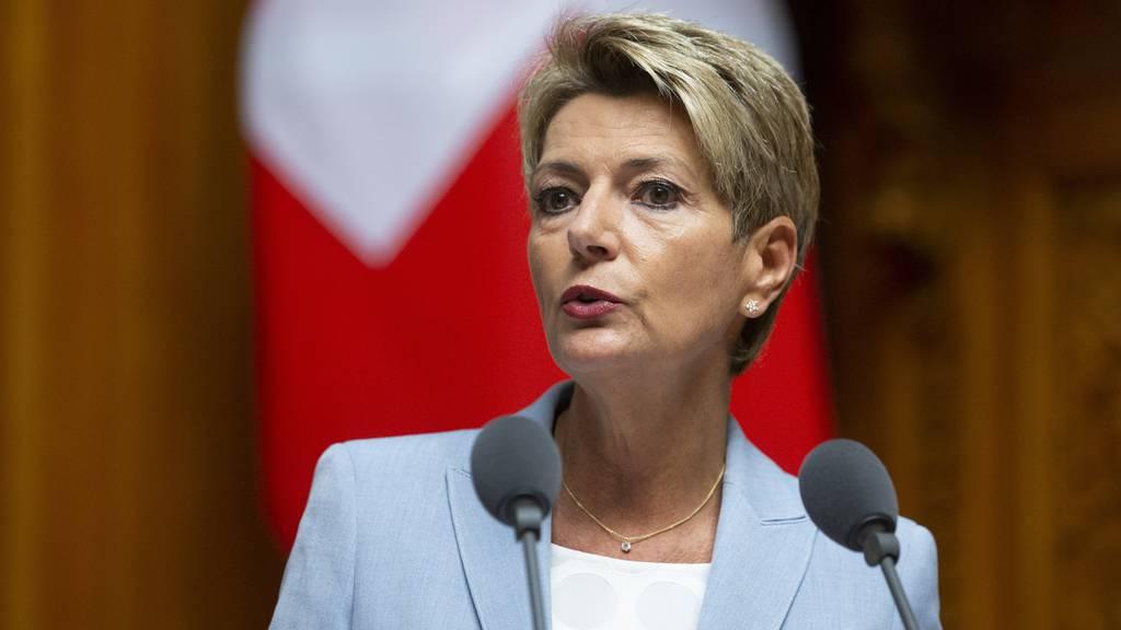 Die Beantwortung der Abstimmungsfragen vom 27. September erforderten ein «sorgfältiges Abwägen», sagte Karin Keller-Sutter in ihrer 1. August-Rede.