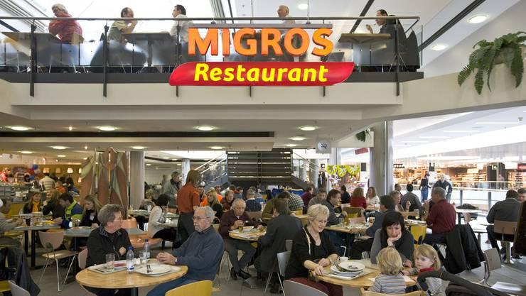 Blick ins Migros-Restaurant im Glattzentrum. (Archiv)