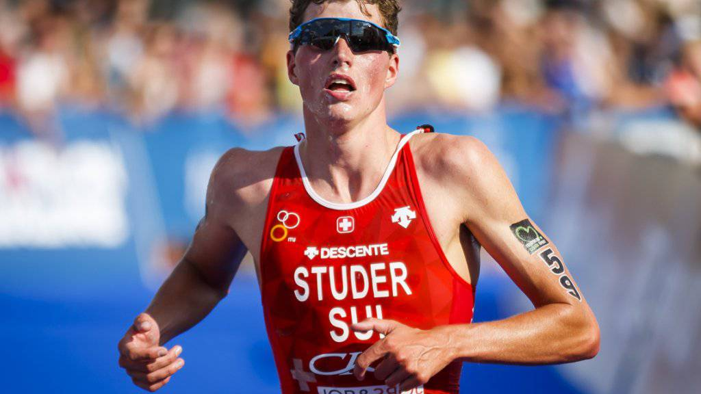 Max Studer setzte sich im Weltcup im südkoreanischen Tongyeong im Zweier-Sprint gegen einen Franzosen durch
