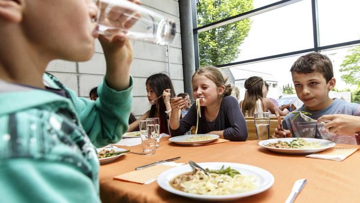 In Oensingen ist man sehr darauf bedacht, dass die Kinder neue Speisen kennen und essen lernen. (Symbolbild)
