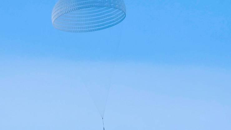 Der Mega-Fallschirm hat einen Durchmesser von 35 Metern.