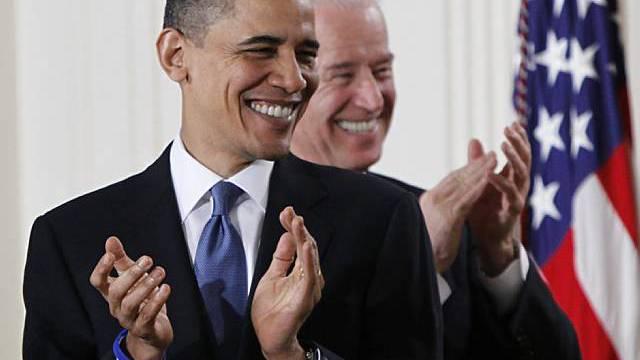 US-Präsident Obama und Vize Biden freuten sich am Sonntag (Archiv)