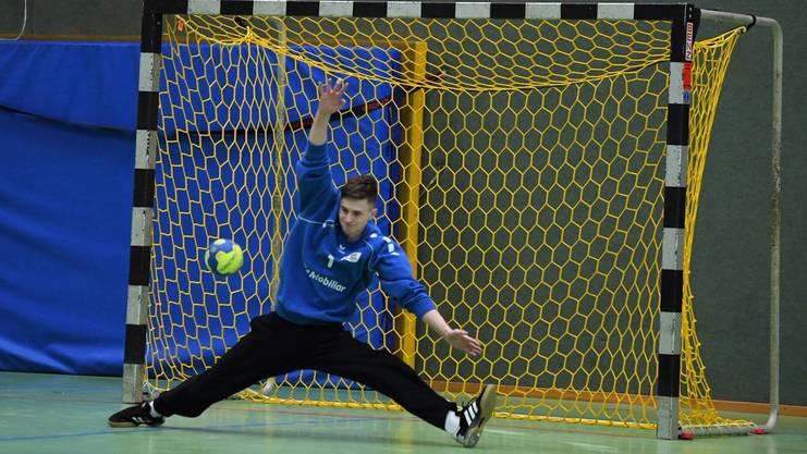 Handballgoalies müssen auch körperlich flexibel sein.