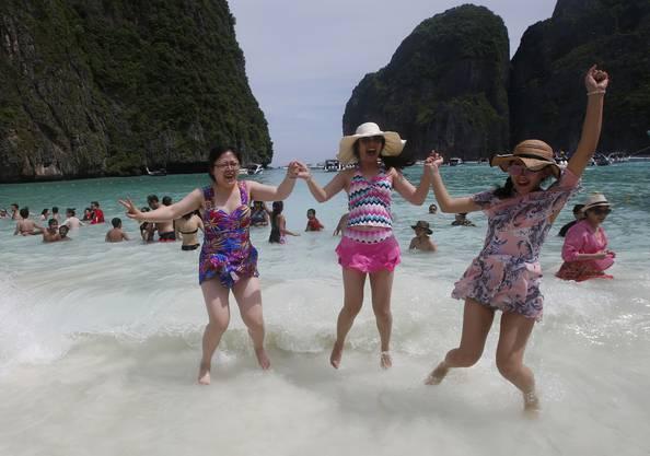 Fotos am Strand von Maya Bay – das war einmal.