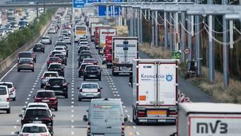 Der Mann war auf der Bundesautobahn 5 im Bereich der Anschlussstelle Bad Krozingen unterwegs. (Symbolbild)