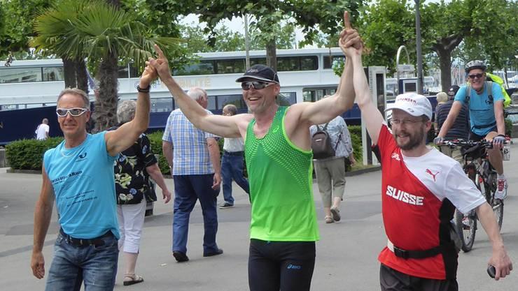 Zieleinlauf mit dem Team in Lausanne: «Es machte sich sofort Erschöpfung, aber auch Entspannung breit», sagt Simon Schmid.