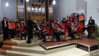 Der Nachwuchs der Jugendmusik Oberes Fricktal im Konzert mit der AEW Brass Band.