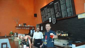Missionare in Sachen Bierkultur: Die Bar von Christian Langenegger und Michael Jones hat rund 140 verschiedene Biere im Angebot.