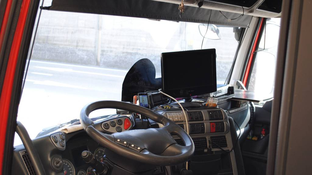 Vor allem ausländische Chauffeure verbringen ihre Ruhezeit im Lastwagen.