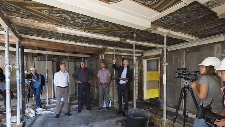 Die wertvollen Deckenmalereien im ersten Obergeschoss des Morell-Hauses haben den Brand und die Löscharbeiten weitgehend überstanden.