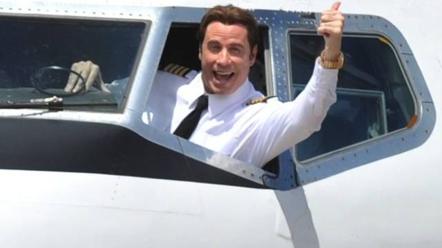 Travolta ist selbst Pilot (Archiv)