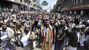 Jemenitische Schiiten demonstrieren in den Strassen Sanaas