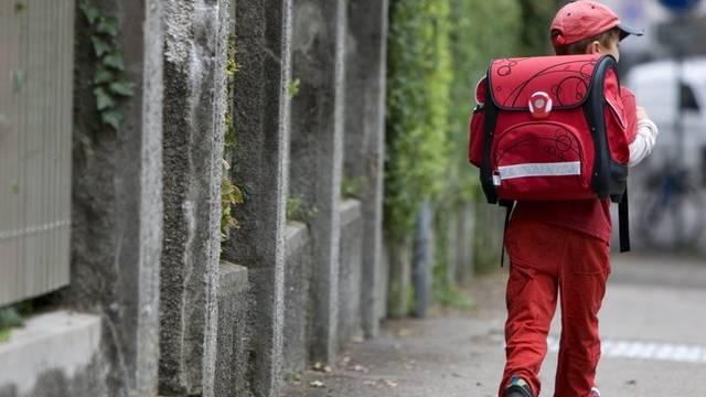 Mehrere Freiämter Kinder wurden auf dem Schulweg von einem Mann angesprochen (Symbolbild)