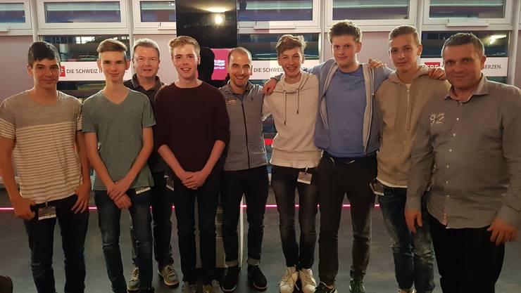 Die B-Junioren vom FC Frenkendorf mit ihrem Trainer