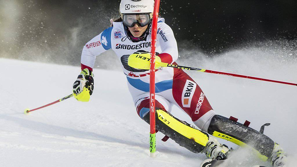 Wendy Holdener zeigte beim Weltcup-Slalom in Are zwei starke Fahrten