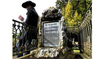 Büchners Grabstein auf dem «Germaniahügel» Zürichs.