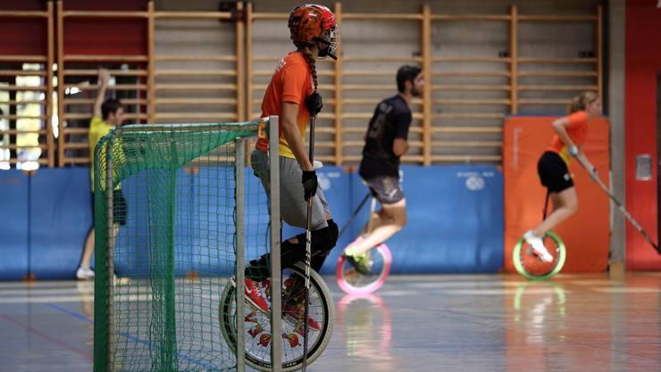 Ramona Hürzeler musste im Finalspiel nur einmal den Ball aus dem Netz fischen. Devils aus Olten gewinnen schliesslich das Einradhockeyturnier in Winterthur.